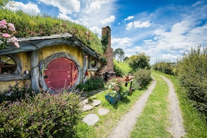 Lord of the Rings and Hobbit 4Day Private Tour from Auckland