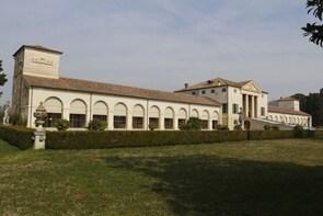 Palladian villas, Foscari La Malcontenta, Emo, Barbaro