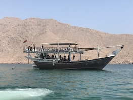 Full Day Musandam Dibba Cruise with Lunch pick up from Dubai