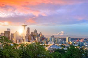 Half-Day Seattle Highlights Private Tour up to 12 Guests
