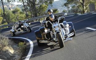 Lake Garda: 8-h Trike Rental (1 driver + 2 passengers free)