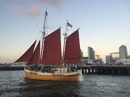 Private Sunset Sailing Tour Up to 12 Passengers