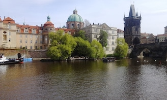 Lunch River Cruise in Prague