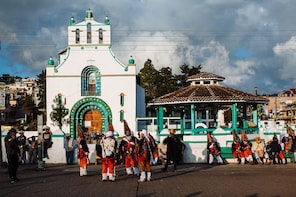 INDIGINEOUS TOWNS OF SAN JUAN CHAMULA AND ZINACANTAN