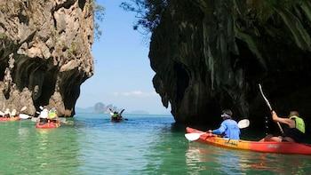 Snorkelling and Kayaking Tour at Hong Islands From Krabi