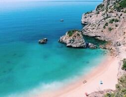 Private Trip to Secret Paradisaical Beach from Lisbon