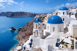 6h highlight tour on santorini semi private