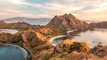Discovering Labuan Bajo: Full Day Car Charter