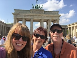 Private Intro to Berlin Tour with Historian Guide