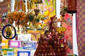 Jaipur Local Market Tour with Guide & Rickshaw ride