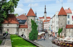Discover the highlights of Tallinn: fully private tour