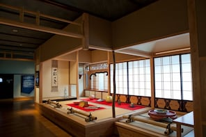 Taxi Tour from Kaga:Kutani Ware & Japan Heritage Kitamaebune