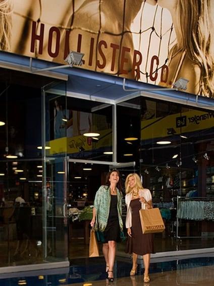 Fashion Outlets of Las Vegas - Shop & Play