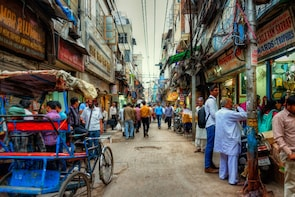 Varanasi Sightseeing with Tuk Tuk as a Transport