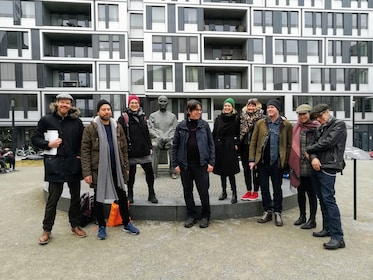 Private 'David Bowie in Berlin' Tour with a Historian