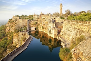All-incl. Chittorgarh Fort Tour with Guide & Lunch