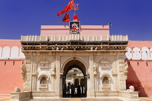 Private Bikaner Sightseeing with Guide, Lunch & Transport