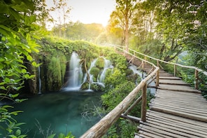 Group Transfer from Zagreb to Split with Plitvice Lakes