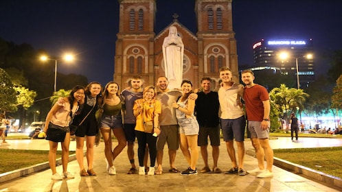 Experience Sai Gon Nightlife and Food Taste Tour by Scooter