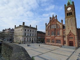 Derry Walls and Bloody Sunday Walking Tour