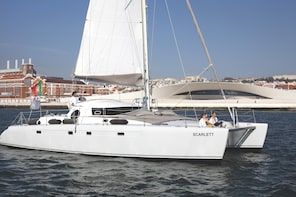 Lisbon private boat tour by sailing catamaran for 14 people