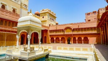 Private BIkaner City Tour with Guide & Lunch