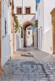 Lindos alley.jpg
