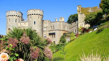 Windsor, Stonehenge & Bath Private Chauffeured Experience