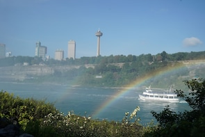 2-Day Niagara Falls Admissions included Tour (NYC Departure)