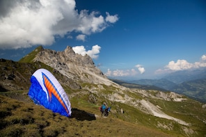 Klosters: Paragliding Panoramic Flight (including pictures)