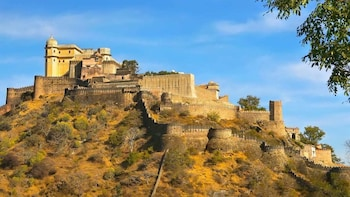 Same day tour of Kumbhalgarh fort & Udaipur
