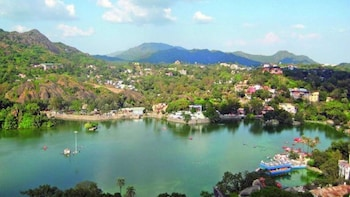 1 Day tour of Mount Abu from Udaipur