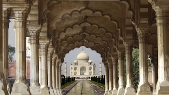 Taj Mahal Private Day Tour from Mumbai