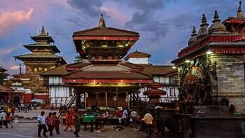 India Nepal tour 8 days