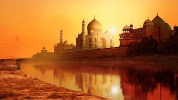 2 DAYS PRIVATE TAJ MAHAL TOUR FROM HYDERABAD