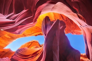 Upper/Lower Antelope Canyon + Horseshoe Bend 1 Day Tour
