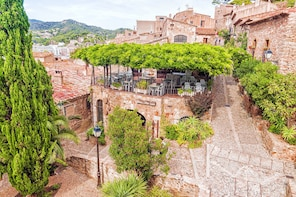 Private Guided Girona and Costa Brava Tour