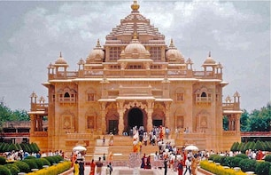 1 DAY AHMADABAD TOUR WITH LUXURY CAB