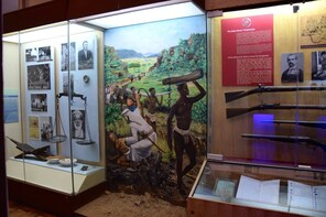 Day Tour National Museum, Giraffe Centre and Nairobi Park