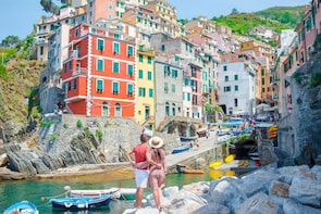 Cinque Terre tour with Limoncino tasting from La Spezia