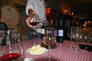 Hvar Wine Tasting Tour with Traditional Dinner