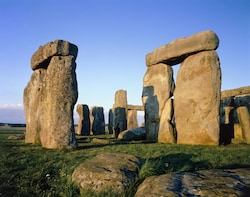 Stonehenge & Bath Bargain Tour