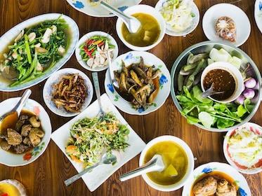 Mohinga Food.jpg
