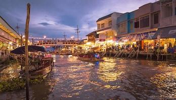 Amphawa Floating Market and Train Risky Market (Maeklong)