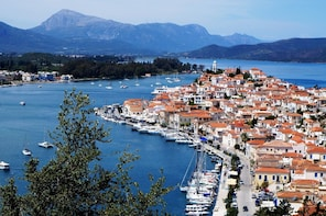 Day cruise to Hydra , Aegina and Poros