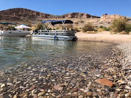 VIP Summer Fun with Boating On Lake Mead and Hoover Dam View