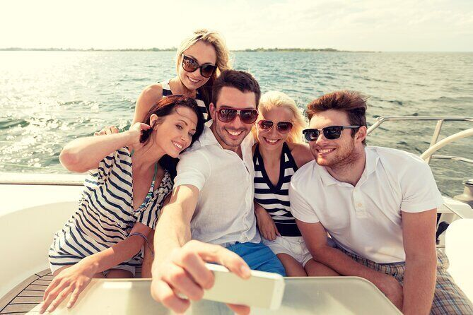 Cruises & boat tours