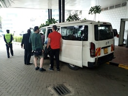 David shedrick, Giraffe center, karen blixen and Bomas tour