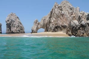 Private Coastline Tour Including The Stone Arch in Los Cabos