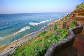 One Day Varkala Cliffs Beach Tour from Trivandrum